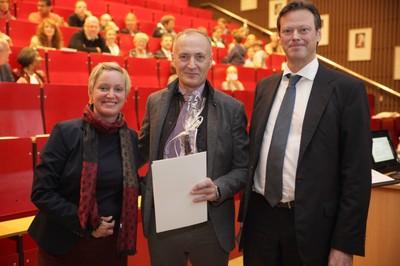 v. links n. rechts: Tonja Soós, Dr. Gert Warncke, Prof. Dr. Ralf Junker