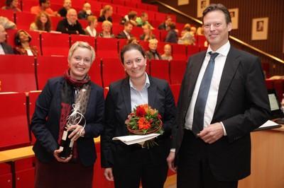 v. links n. rechts: Tonja Soós, Dr. Jill Jussli-Melchers, Prof. Dr. Ralf Junker