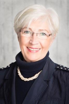 Dr. Behrens